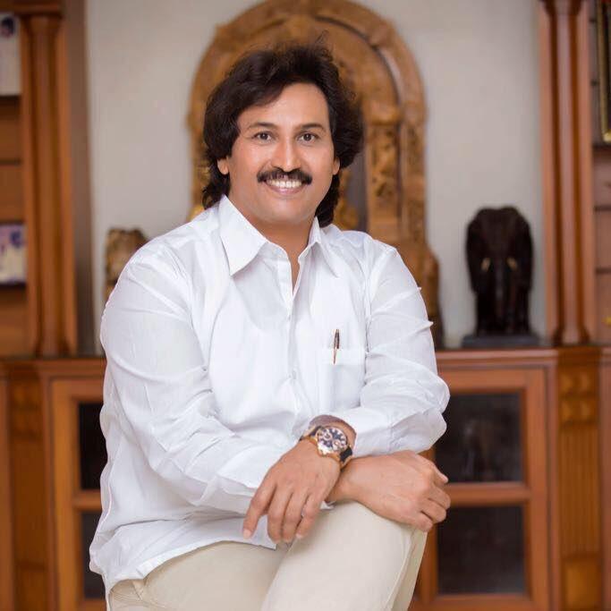 Happy birthday to Kannada hero @Kumarbangarappa #HBDKumarbangarappa https://t.co/z5tedIMxOf