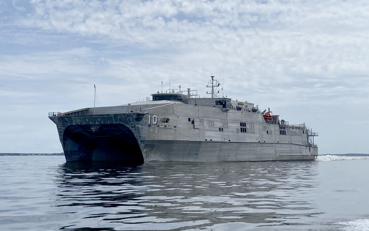 Something new in #LCS support: expeditionary fast transport #BURLINGTON T-EPF10 left Little Creek VA 26 Sept carrying a maintenance expeditionary team. For 3 months they'll act as a forward staging base for littoral combat ships in US Southern Command/4th Fleet area https://t.co/97y5nt1gCS