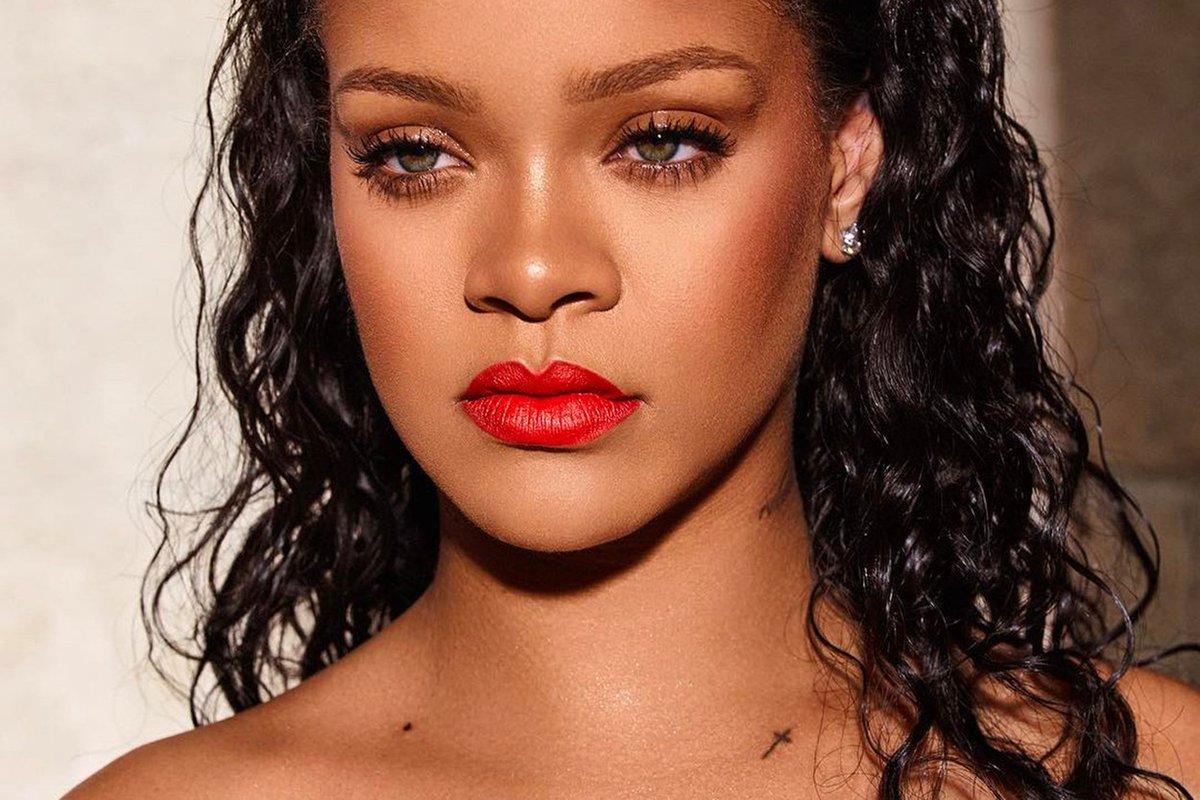 🐦 Ranní ptáče: Trump neplatil daně. Praha má lůžka pro nemocné s COVID. Rihanna šokuje novým účesem 💣  https://t.co/AxdfnUQfvS  #ranniptace #lplifeonline #news #zpravy #rihanna #donaldtrump #dane #life #style #praha #prague #cesko #news #lplifecz (Credit: Profimedia) @rihanna https://t.co/brhf5qu06p
