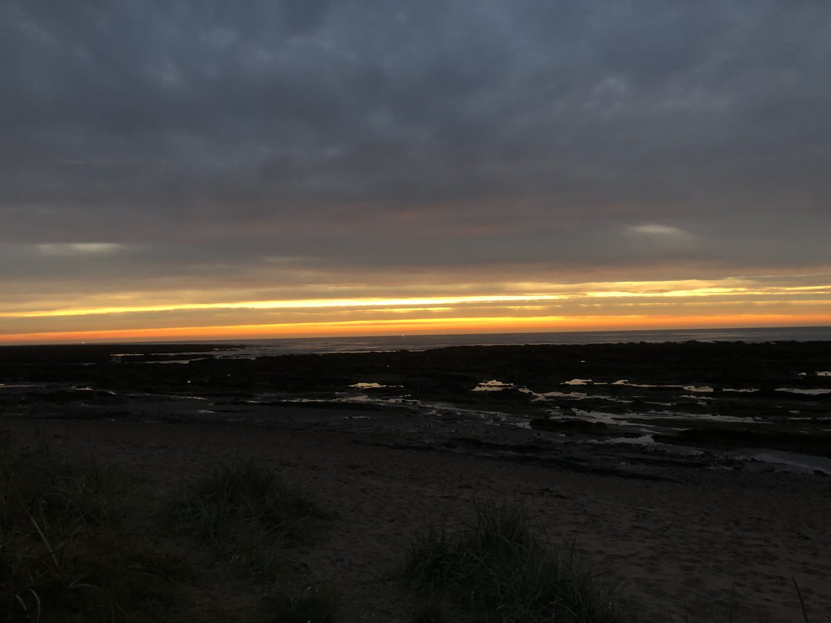 Good Morning from #Carnoustie! #eastcoast #sunrise #MondayMotivation #amwriting #writerslife https://t.co/JDv7OU34cP