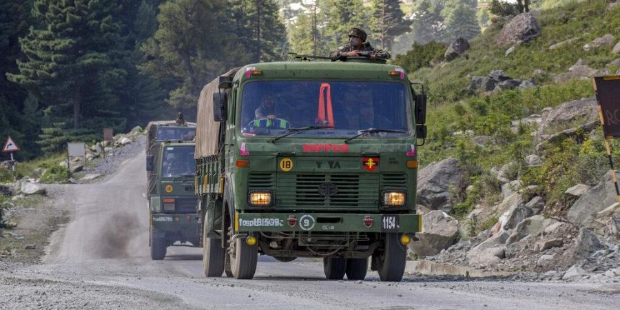 Army gears up for harsh #Ladakh winter; biggest operation in decades to stock supplies https://t.co/ooOdeYR6Au #IndiaChinaFaceOff #WeRIndia https://t.co/dCca1Xg394