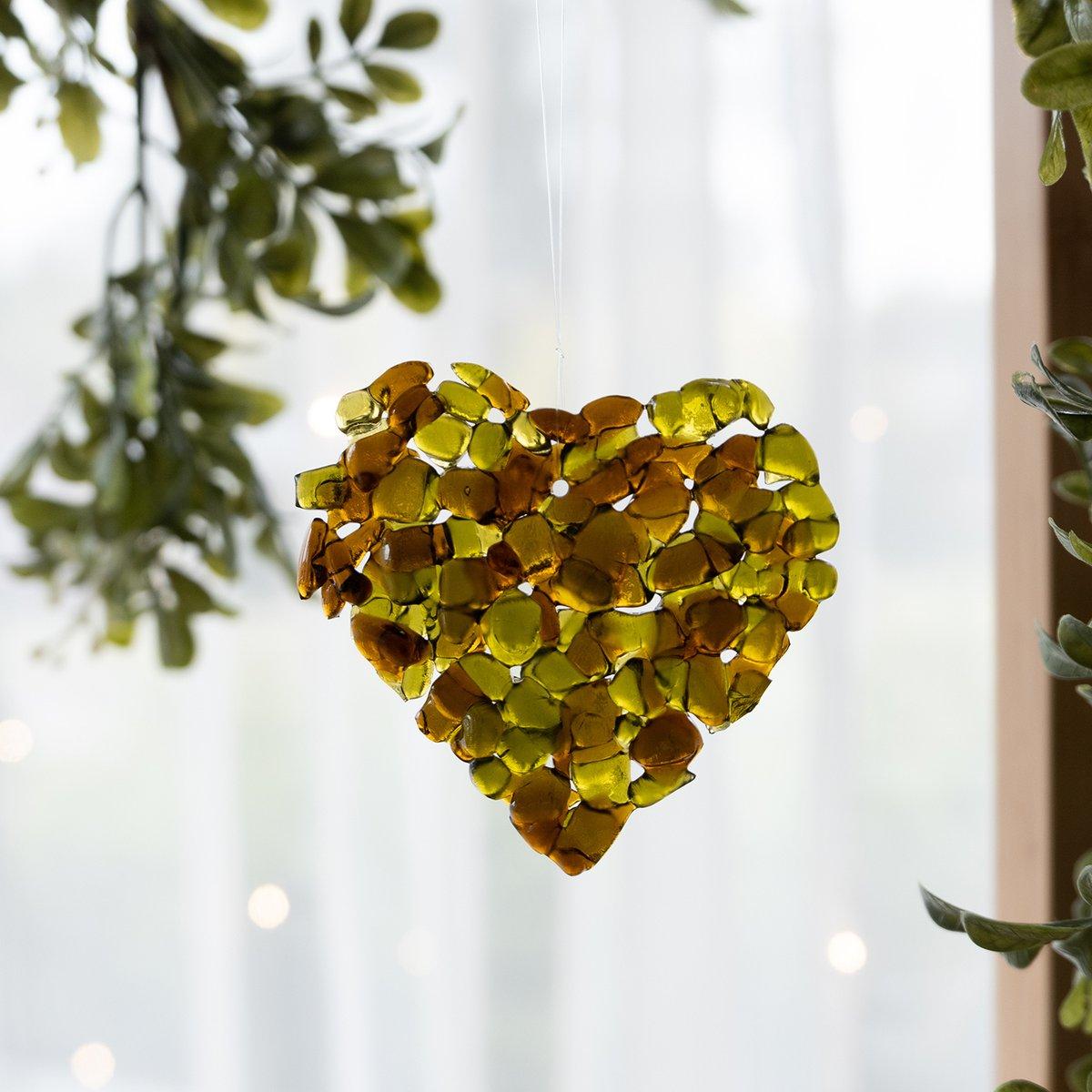 I have been thinking what else I could make out of wine bottle glass... 💚 #handmademagic #xmaslove #xmasornament #xmasdecoration #xmasgift #smallbusiness #supportlocal #supportsmallbusiness #zerowaste #ecofriendly #ecogift #giftidea #ecofriendly #ecogift #reducereuserecycle https://t.co/LX0RGtxc7O