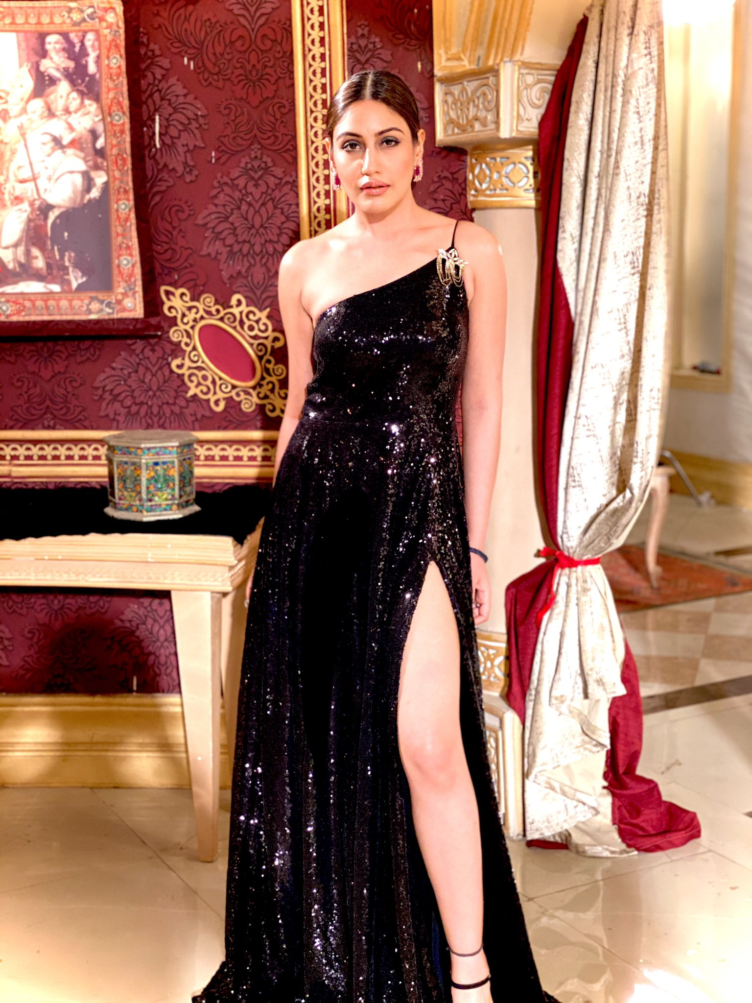 bani black gown in nagin 5 pic