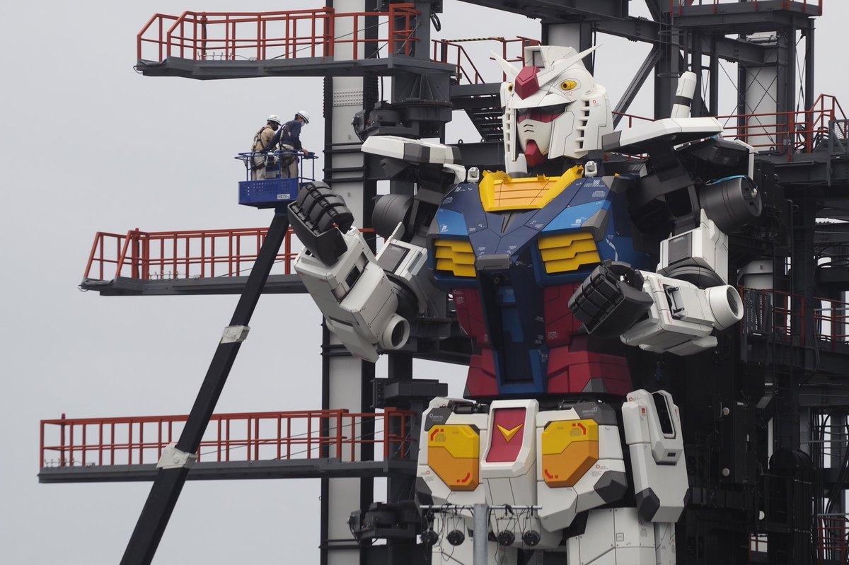 المجسم الضخم المتحرك للشخصية الشهيرة غاندام 🤖 الخيال يتحول إلى حقيقة في #اليابان 🇯🇵🤚 ©📸@yoshi115t https://t.co/m8nZtn7Vbq