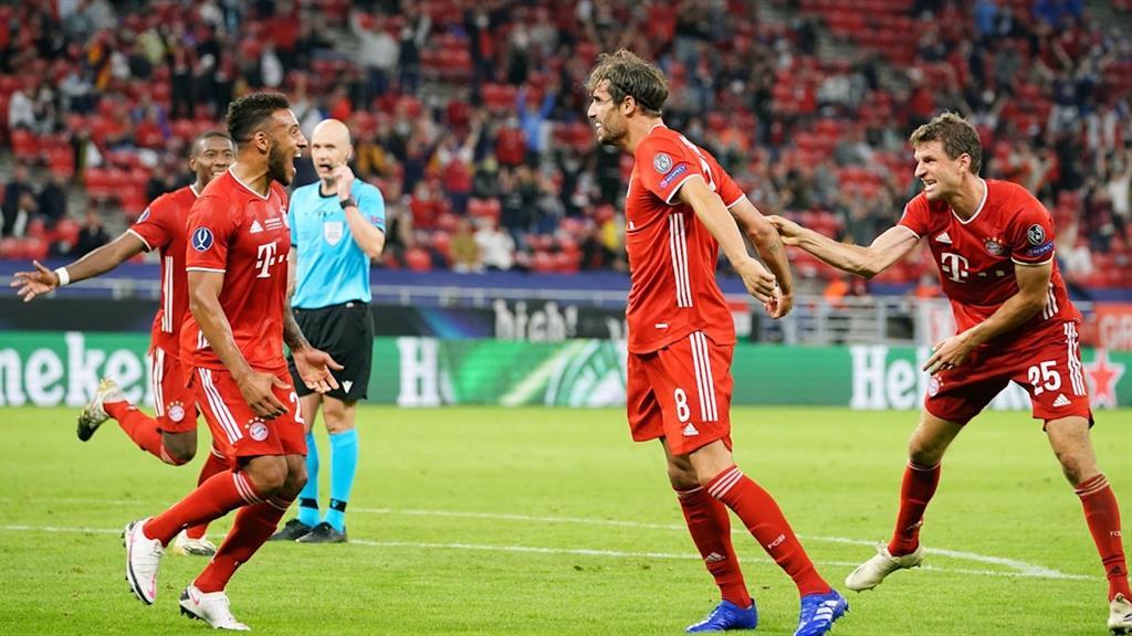 """La UEFA destaca que la Supercopa se desarrolló """"sin problemas"""" y con """"un verdadero ambiente de fútbol"""" https://t.co/ZL0pLetn7e via @EPdeportes https://t.co/JrnwKopjBX"""