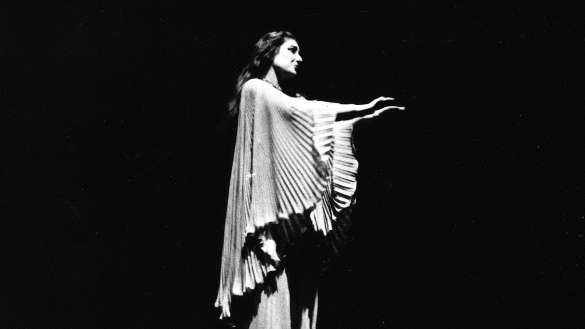 Lucia di Lammermoor by Donizetti premiered #onthisday in 1835 🎶  In the 1950s, Maria Callas redefined the title role, previously associated with light-voiced sopranos, with her visceral power and interpretative insight. Discover her remastered recording: https://t.co/P9pgOiOUou https://t.co/Y52GTaiL0X