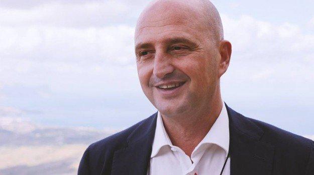 """#Bonus #Sicilia, in 4 giorni diecimila domande. Turano: """"Misura seria e trasparente"""" https://t.co/zoaqgUoxKo https://t.co/TSyYEFrxbF"""