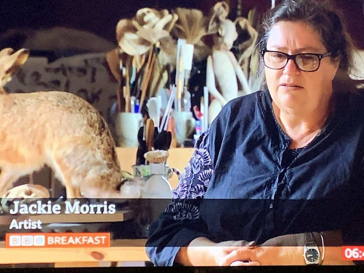 Wonderful to see #JackieMorrisArt and @RobGMacfarlane on @BBCBreakfast, was great meeting her at #Hayfestival a few years ago ... #readbooks #poetry https://t.co/tLyksCVwRb