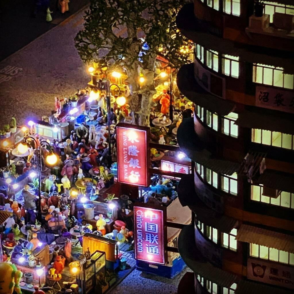 スモールワールズ東京再訪。あーこの夜市に紛れ込んで飲みたい。 #スモールワールズトーキョー #smallworldstokyo #miniature https://t.co/I7zIZdIkG5 https://t.co/I1NSLngM1U
