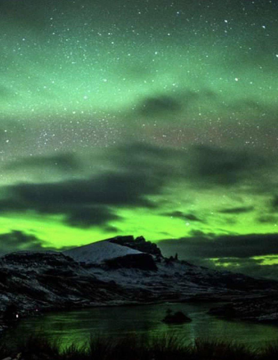 #aurora Across Storr Loch, Old Man of Storr, Isle of Skye, Scotland 🏴 feb 2019 @StormHour @angie_weather @ThePhotoHour @VisitScotland @SeanBattySTV https://t.co/uhVInt2QLi