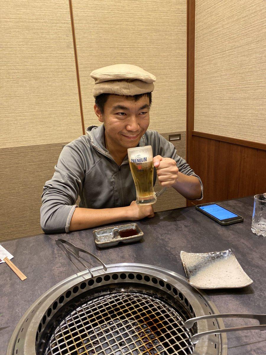 #Goliath お誕生日会  ビールを飲む羊飼い😅 https://t.co/5sBPbsdlVB