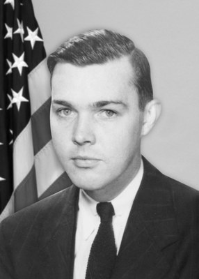 The #FBI honors Special Agent J. Brady Murphy, who died #OTD in 1953 from wounds he received during a gunfight the previous day. #WallofHonor https://t.co/7DphUQ0DWL https://t.co/JCVaRer7aM