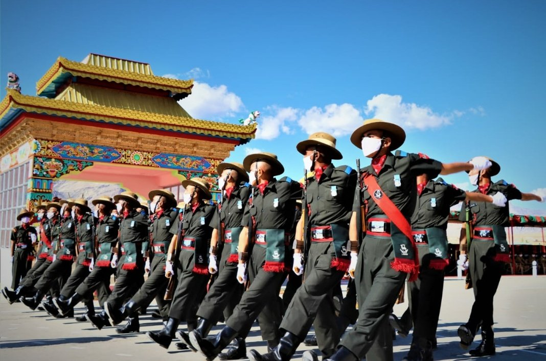 Ladakh: Attestation Parade was held today at the Ladakh Scouts Regimental Centre, Leh to mark the entry of 131 well-trained recruits into the Regiment. #India #Ladakh #indianarmedforces https://t.co/upK34wJCxu