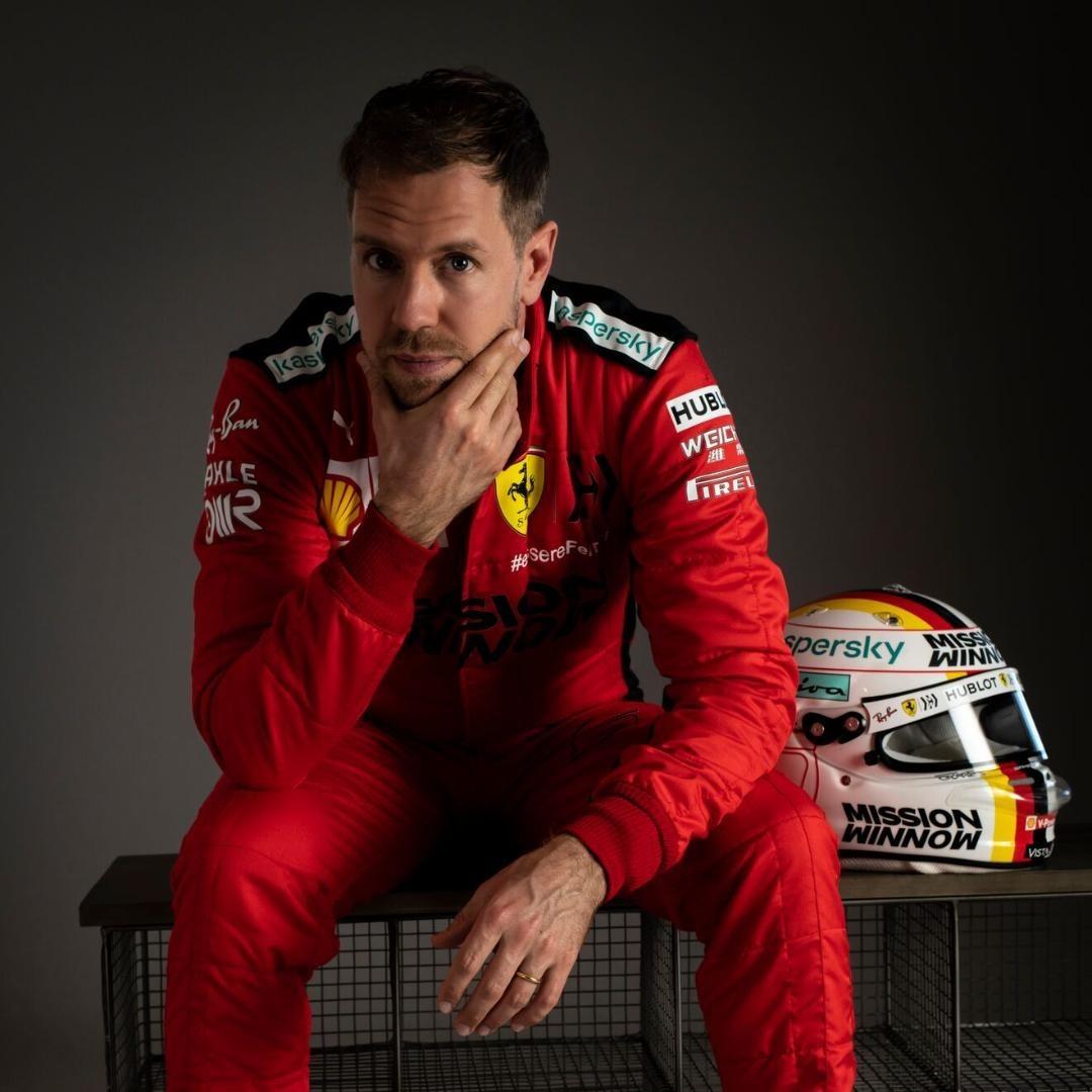 RT @sebvettelnews: Strike a pose 😏😎   #Vettel #SV5 #F1 https://t.co/ZYtXzX1lFn