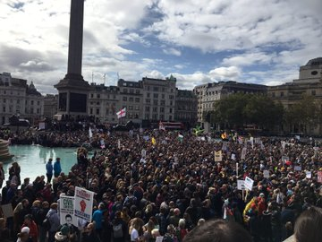 """""""We Do Not Consent"""" - 1000s Rally In London To Oppose Another COVID-19 Lockdown Ei1mygrXkAQj7BY?format=jpg&name=360x360"""