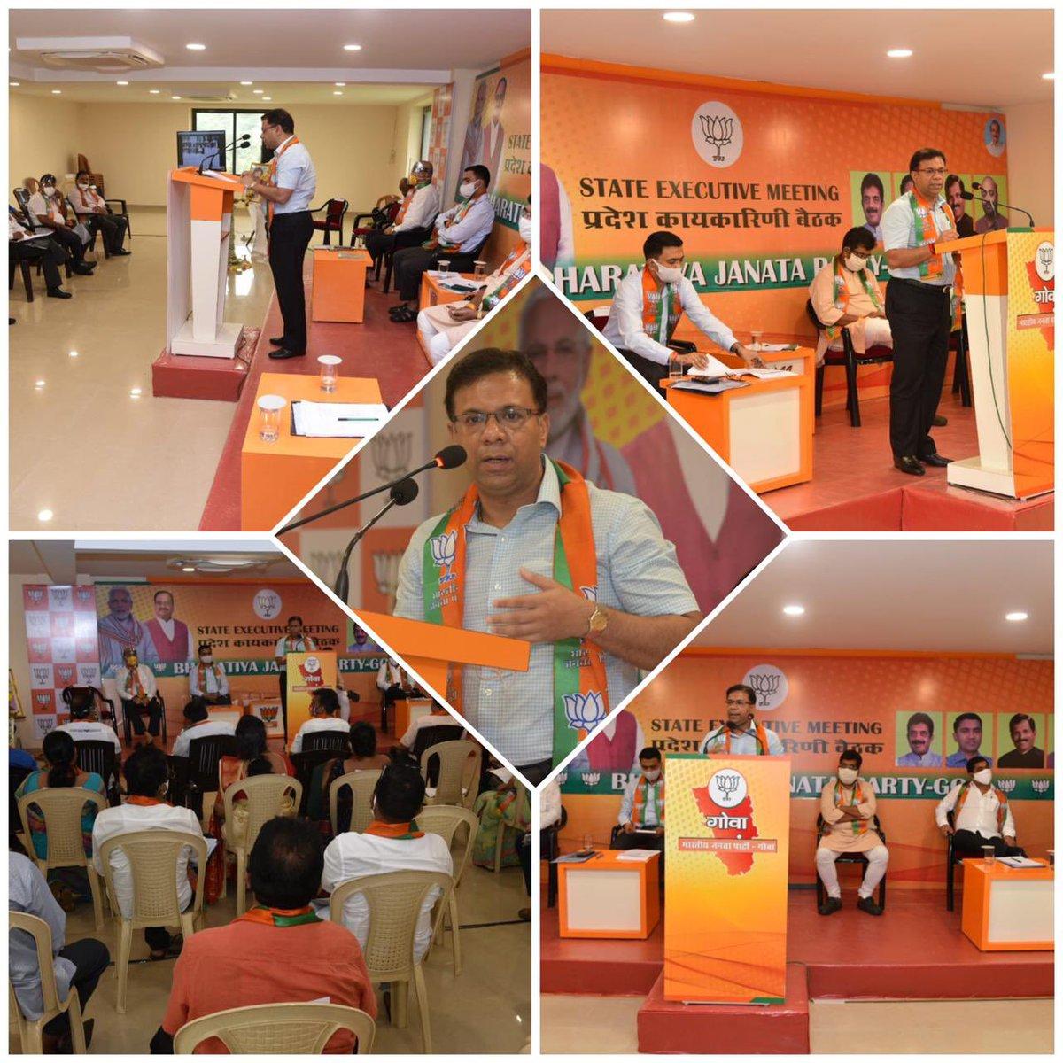 Addressed the State Executives of BJP Goa in the presence of BJP State President Shri @ShetSadanand, Hon'ble Chief Minister @DrPramodPSawant, Hon'ble Deputy Chief Ministers Shri @BabuKavlekar & Shri @BabuAjgaonkar & other executives of the state. https://t.co/USMm4OtDn0
