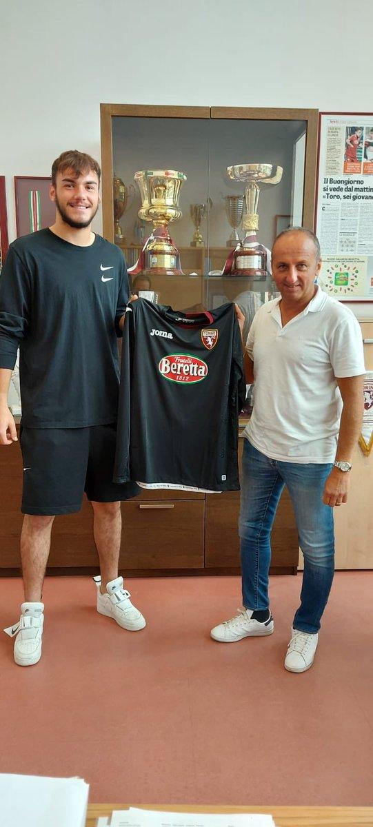 Razvan #Sava portiere 2002 lascia la #Juventus e si trasferisce al #Torino a titolo definitivo. #Sportitaliamercato #Calciomercato https://t.co/it9SRZwD1H
