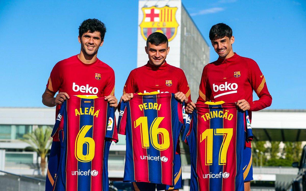 👕 Procurez-vous le maillot de votre joueur du Barça que vous préférez 👉https://t.co/vfYl9kek85 🔴🔵 https://t.co/OTg5UdJPUr