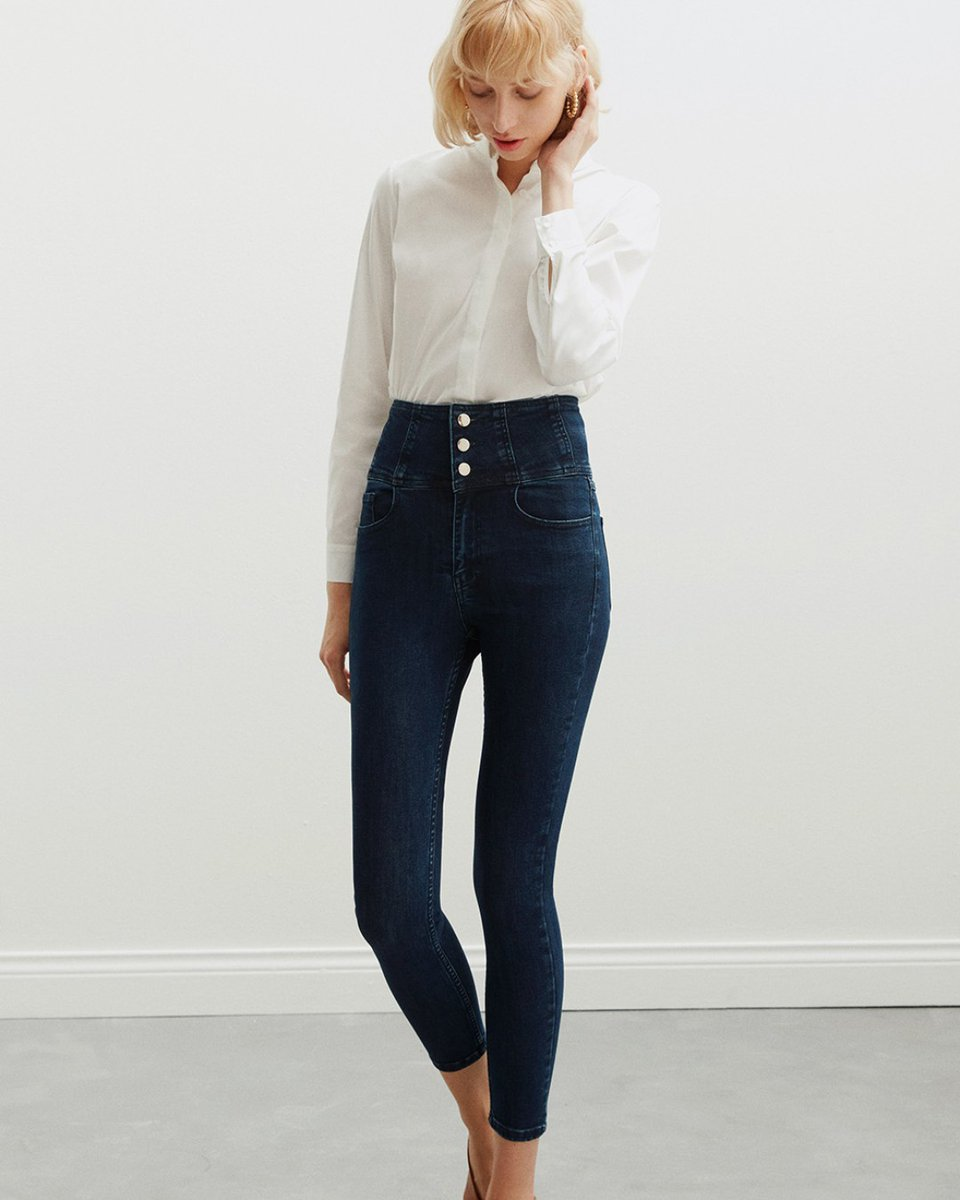 New kind of jeans that both comfy and stylish ✨  #SS2020 #FW21 #fallwinter #trends #style #elegant #elegance #suit #worldwidedelivery #fashion #follow #workwear #vogue #classic #summer #businesswear #vacation #instagood #dress #prom #eveningdress #newnow #weekendstyle #jeans https://t.co/SchABxWQau