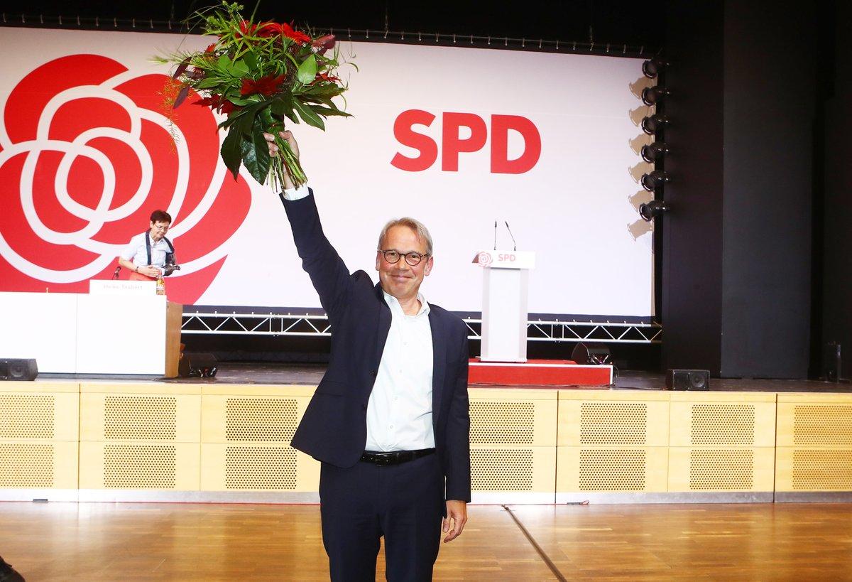 Drei Gründe zur Freude für @GeorgMaier8 an einem Tag: Tochter geboren, als Vorsitzender der @SPDThueringen gewählt und die @Eintracht ist Tabellenführer! Wir haben mit dem neuen Landeschef über seine Ziele gesprochen. https://t.co/CxV1I3674L https://t.co/VVp3BREPmh