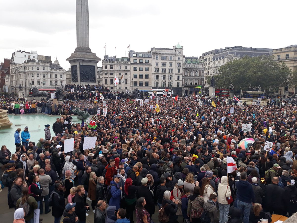 Several thousand have gathered for anti-lockdown protest at Trafalgar Square in London. So far, police show no sign of dispersing the event. #TrafalgarSquare #CovidUK https://t.co/Xdl5sniBKz