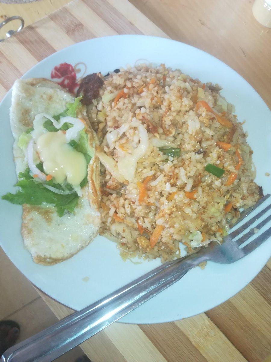 Enjoy #justasab #awamfriedrice #foodgasmgh #quicklunch #homebaker #ghanaeats #dadesɛndelight https://t.co/543E9aRIgF