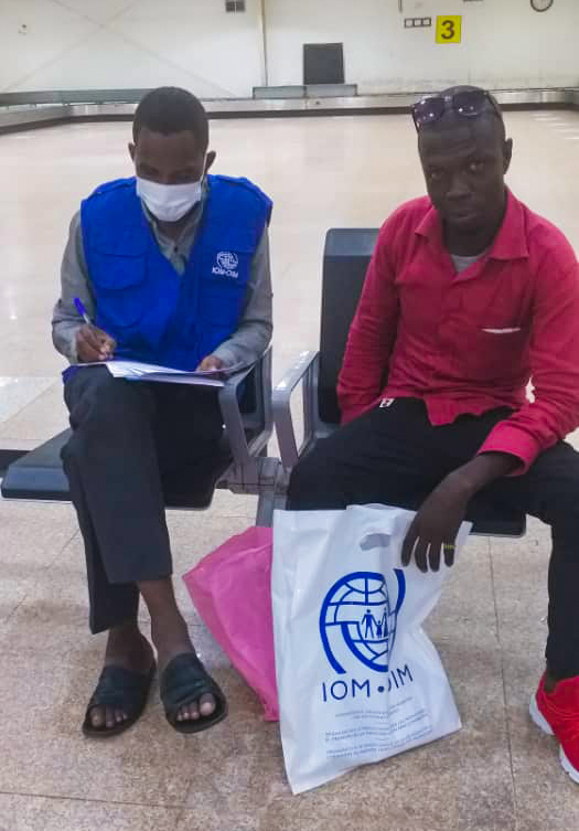 Three migrants who were stranded in Niger have arrived in #Sudan with the support of the EU-IOM Joint Initiative. They will now be supported with reintegration assistance to re-establish their lives.  #AfricaTrustFund https://t.co/zVhpen3YZA