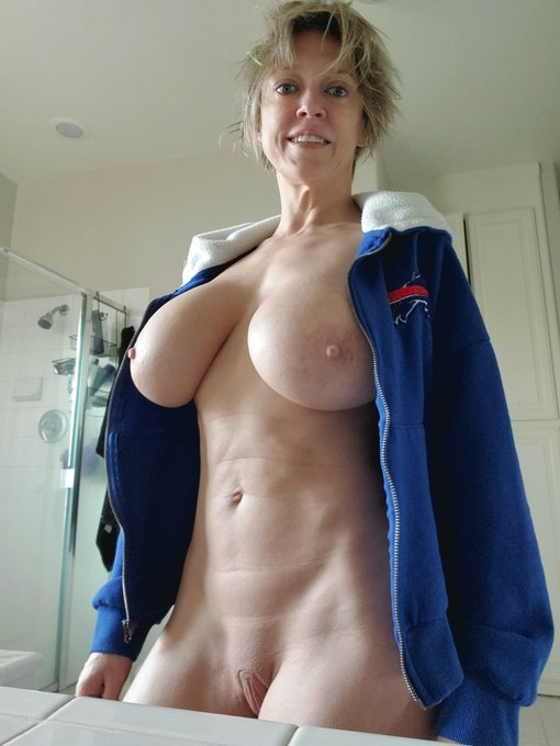 3 pic. Before I shower and get on with my day...a little something to brighten your Saturday. A lot more