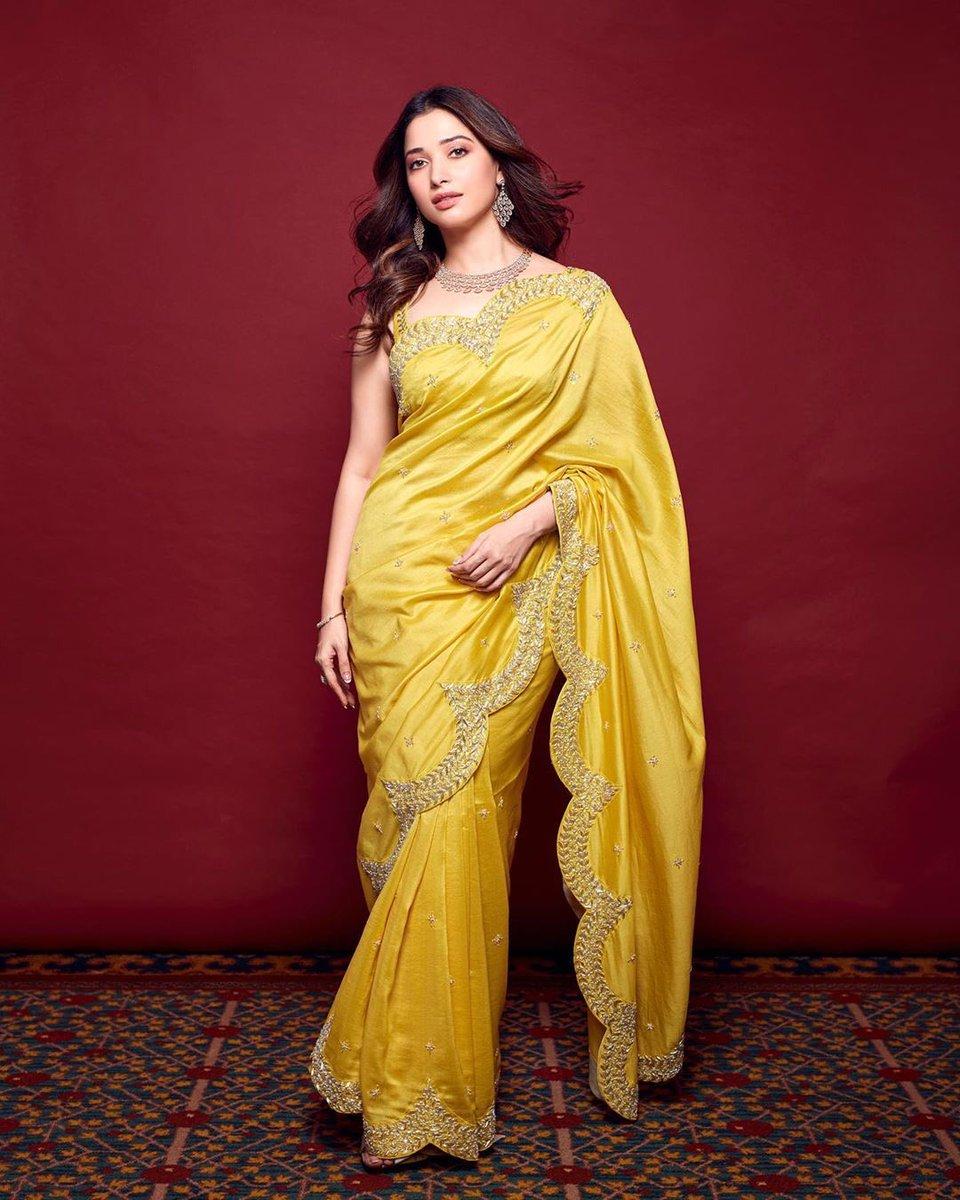 Beautiful Look #tamannabhatia Recent Click ! @tamannaahspeaks ! #CineTimee ! https://t.co/Njx2BwDf35