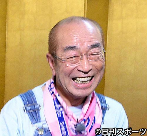 【16年半ありがとう】『志村どうぶつ園』最終回、笑顔で幕志村けんさんの冠番組『天才!志村どうぶつ園』が26日、最終回を迎えた。2時間スペシャルで番組の名場面を振り返り、志村さんの笑顔のアップで通算577回目の放送を終えた。