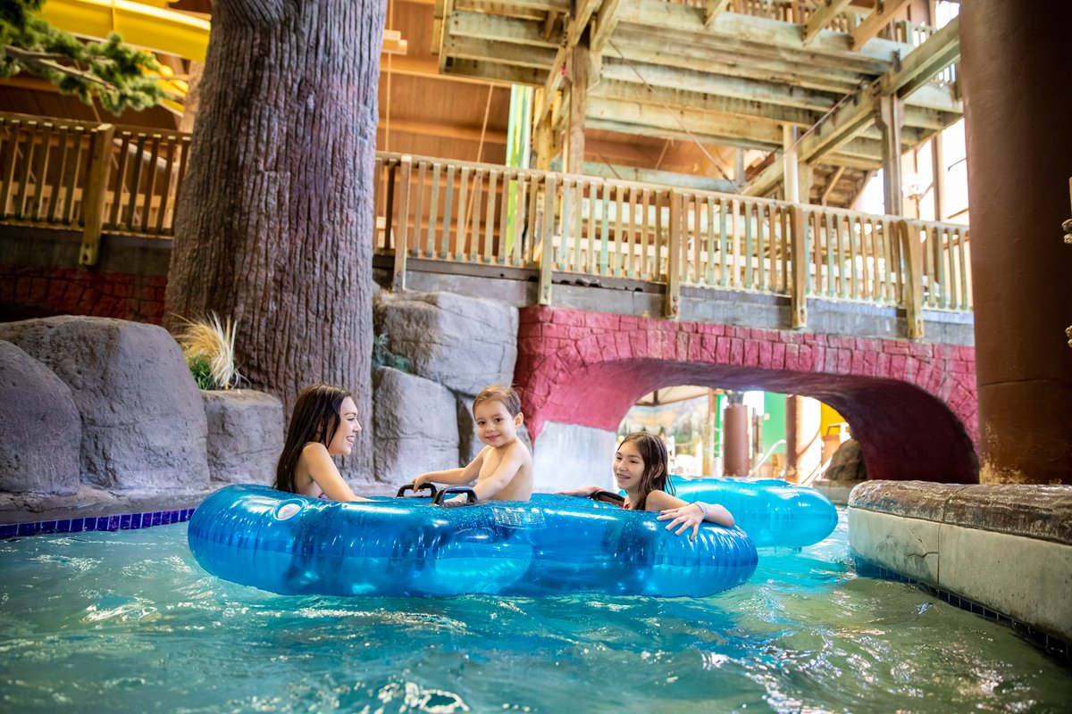 School at the waterpark? Yep. Our new Schoolcation Getaway Package has it all: overnight stay, study space and lunch for class time, and waterpark passes. Yep, it's the best recess ever. Book now: https://t.co/gZ21EPFM5P https://t.co/0ImZYZnmgR