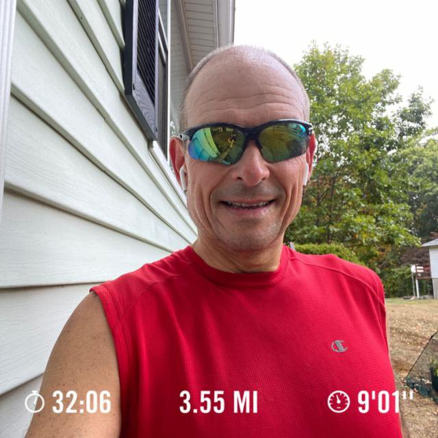I ran 3.55 miles with Nike Run Club #justdoit #saturdayrun  Great way to start the day !! 🏃🏼💨 https://t.co/94NjfikAdC