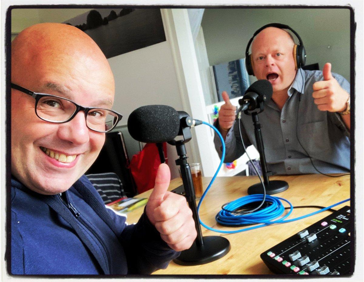"Afl. 3 van De Stamtafel vanuit 't Podcastcafé, ""Wrijving en de kracht van muziek"", staat online. #Podcast #Kees #Floris #Stamtafel #Spotify #ApplePodcast #Google   https://t.co/Jqi9X7RZln https://t.co/8aJuS4zMvU"