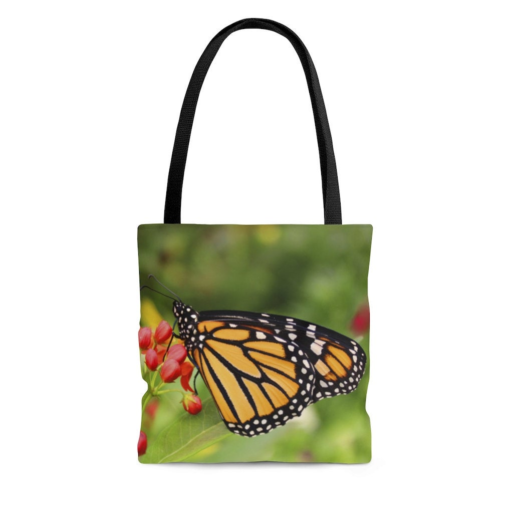 Sharing for Melissa Phillips Burness on Etsy  Really love this, from the Etsy shop melbecreations. https://t.co/n2YAXZiM7W #etsy #monarchbutterfly #shoulderbag #shoppingbag #beachbag #reusablegrocerybag #markettote #crochettote #knittingtote #workbag https://t.co/WNQrFybe12