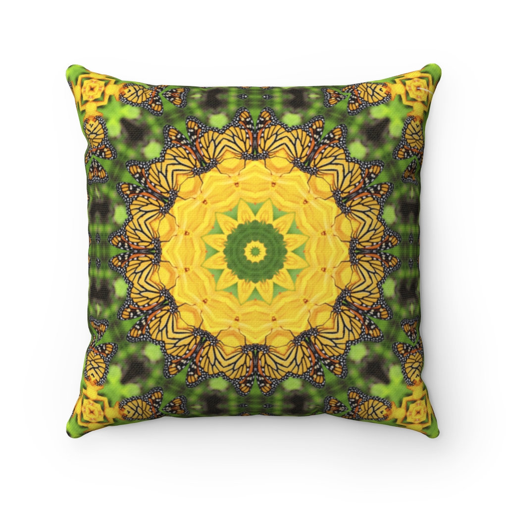 Sharing for Melissa Phillips Burness on Etsy  Really love this, from the Etsy shop melbecreations. https://t.co/rFyE6MkZFf #etsy #monarchbutterfly #butterflydecor #mandalaart #bohopillow #pillowcovers #pillowcases #throwpillows #floorpillows #bohodecor https://t.co/vXzyQv8B58