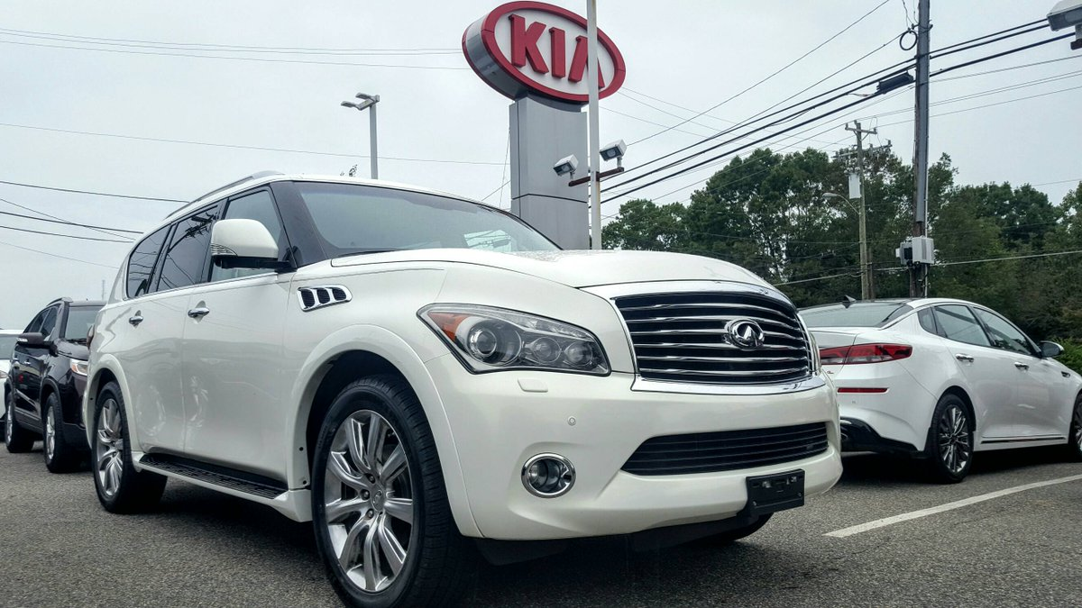 Never feel like you don't have enough legroom in this giant and gorgeous Infiniti. 😊😊 https://t.co/waw5zMmfXJ   #WelcomeToTheFamily #Kia #KiaTelluride #Telluride #NewCar #Sales #SUV #BattlegroundKia #Greensboro #KiaSoul #Soul https://t.co/F9zIimBzc4