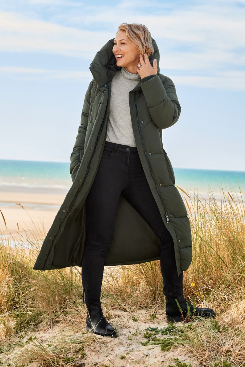 'Last year's puffer coat was really popular so we've decided to do it again but we've given it a little makeover! It's slightly darker khaki, it's got a bigger neck, bigger hood and we've also added in a black colourway!' @EmmaWillis  https://t.co/59NxmIWJpv https://t.co/ugUNluugMB
