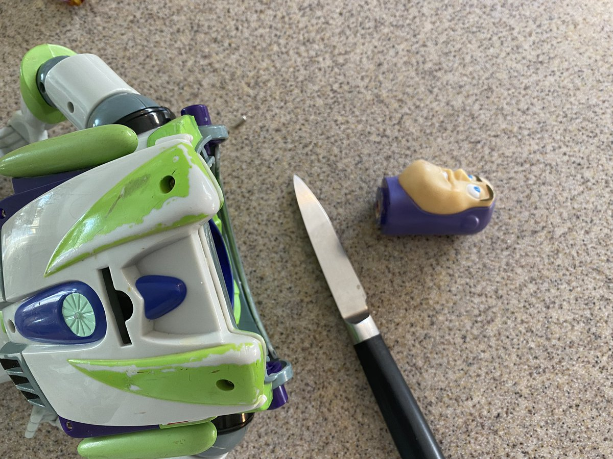 Woke up this morning and beheaded the treasonous #BuzzLightyear. He's not even FROM this planet, what business has he telling ME how I should run it? Get back to work! EVERYONE! #toys #treason #crime #punishment #thisiswhathappens #dontcrossme https://t.co/4Jua57UmZd