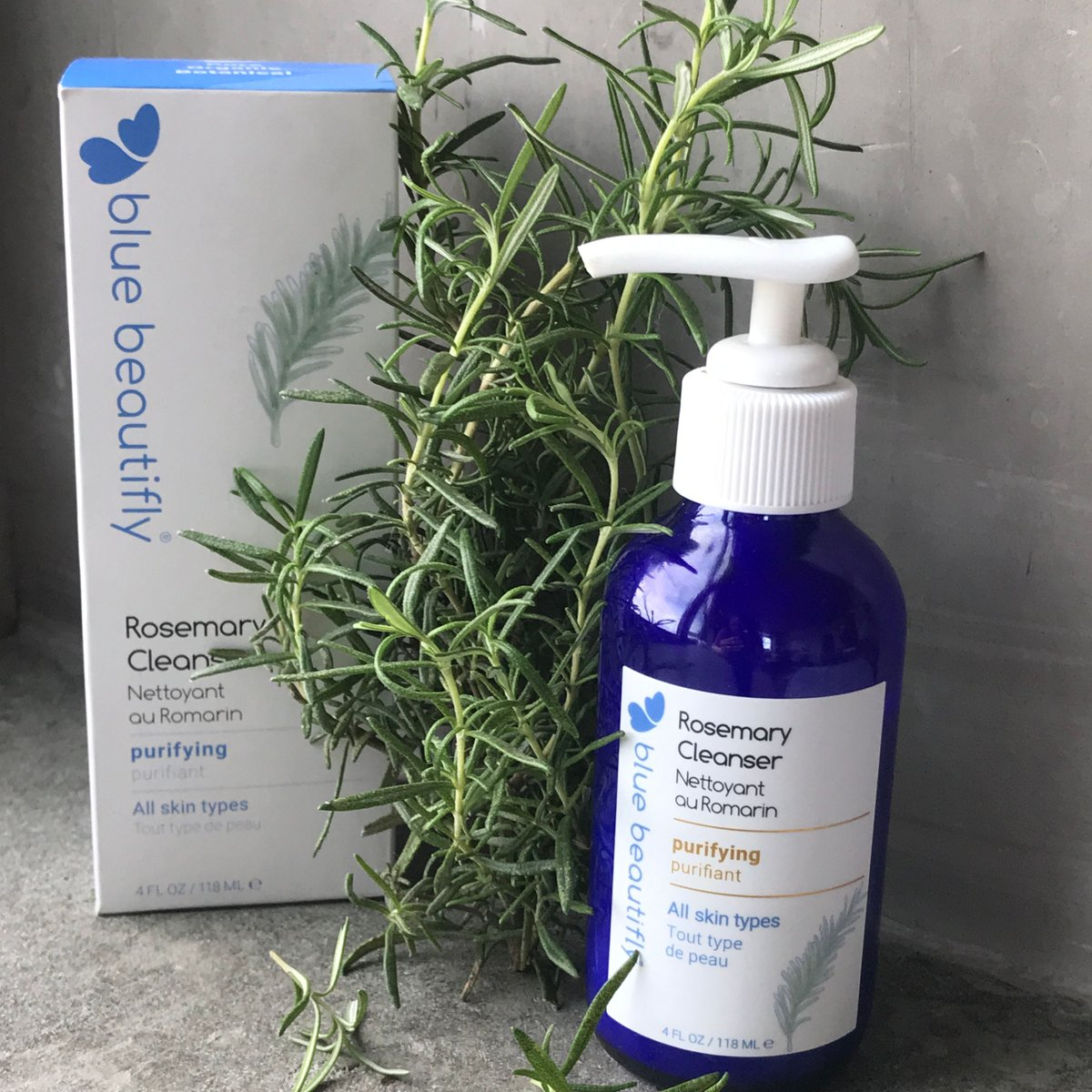 Rosemary Cleanser makes the skin feel soft and sparkling by hydrating and removing dirt and makeup gently, yet effectively.  See silky smooth and super sparkling skin with Rosemary Cleanser!  #Rosemary #Cleanser  #glowingskin #Innovativeskincare #Organicskincare #greenbeauty https://t.co/jjn7PLipMw