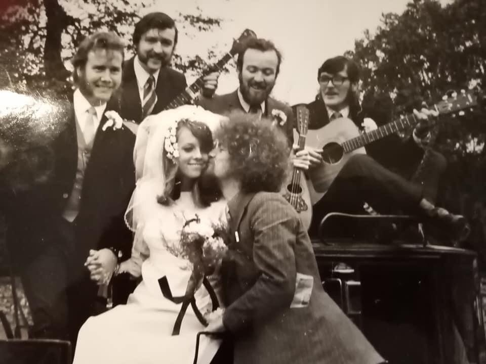 Wishing a very happy 50th Wedding Anniversary to Noel and Marie Nagle, 50 years today!!! 🍾🥂 https://t.co/YpjbfRhY22