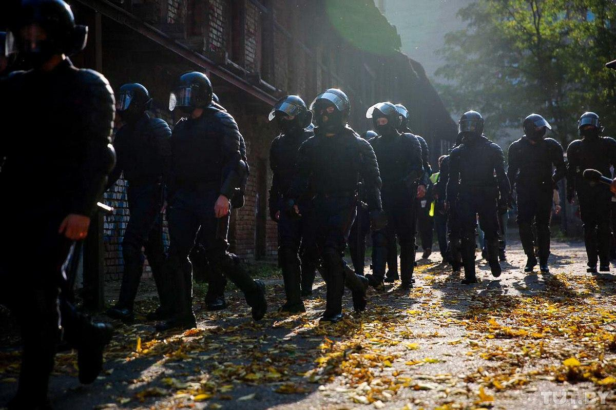 """According to human rights defenders, about 12,500 people (including minors, reporters, foreign citizens) have been detained in Belarus since August 9. It is no longer just a """"police state"""". The country is turning into one big concentration camp. https://t.co/PzzhYdjTMF"""