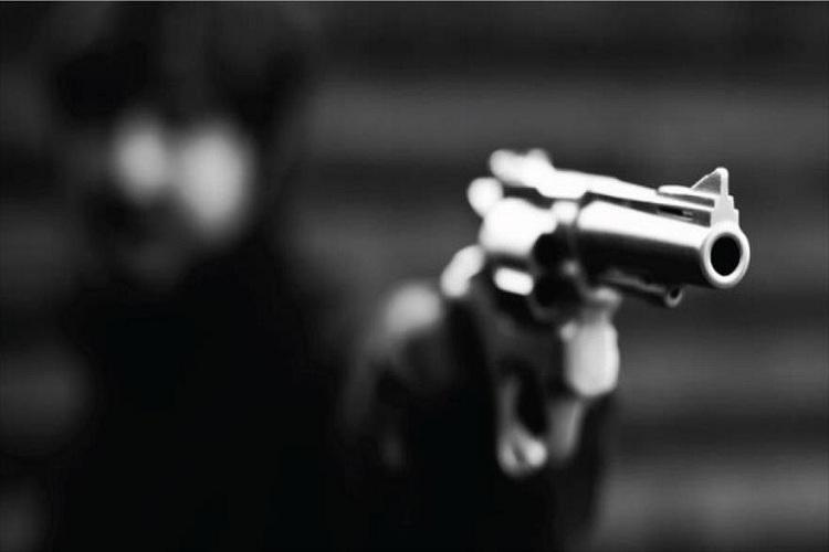 #26Sep #Oriente #Sucesos Mataron a expolicía durante un robo en #Anzoategui  https://t.co/uhtTzMhkSD https://t.co/H5Tnl1flwC