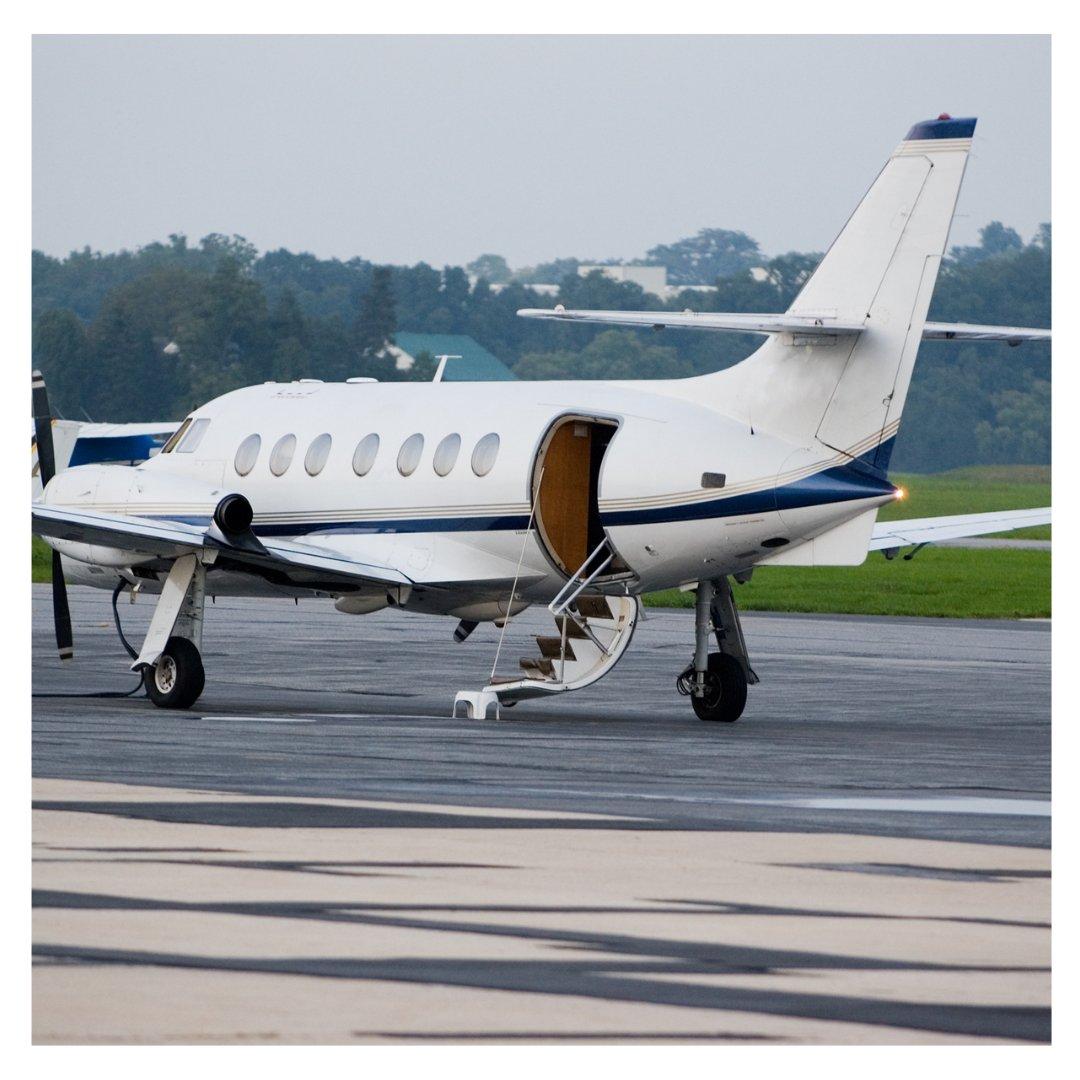 Ready for take-off!  #thejetlady #flyprivate  #businessjets  #jetsetlife  #privatejet  #jetset  #luxuryliving  #luxurytravel  #flying  #pilot  #flight  #airplane  #plane  #pilotlife  #instapilot  #aircraft  #aviation  #fly  #instaplane https://t.co/JqDgawZtJs
