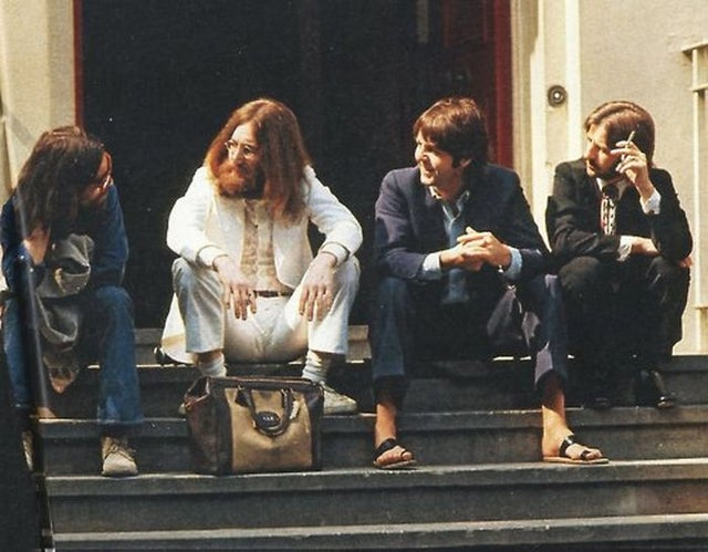The Beatles during the Abbey Road cover shoot, 1969. Moments later, Paul McCartney lost his sandals. https://t.co/v5rixXIPlx