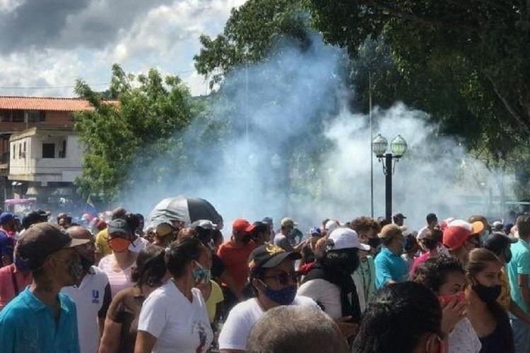 #26Sep #Sucesos #ForoPenal: Se eleva a 20 detenidos por protestar en #Yaracuy  https://t.co/9jlCxrAfFI https://t.co/0JKiT2oTZW