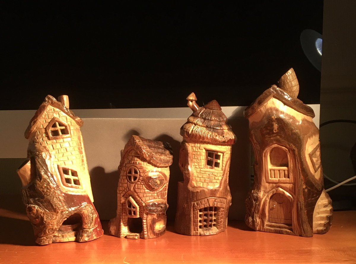 """Fairy houses max 4"""" tall all now long gone https://t.co/yHalhT7ip3"""