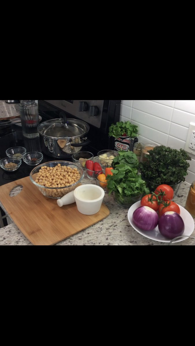 Delicious & Healthy Organic Chickpea Curry Recipe Youtube video coming soon #organic #vegetarian #vegan #fitness #middleeast #chef #delhi #lahore #europe #india #uk #usa #japan #plantbased #canada #protein #mumbai #asia #wellness #soup #art #torontofood #canadian #vancouverfoodie https://t.co/5ujZcSPUxG
