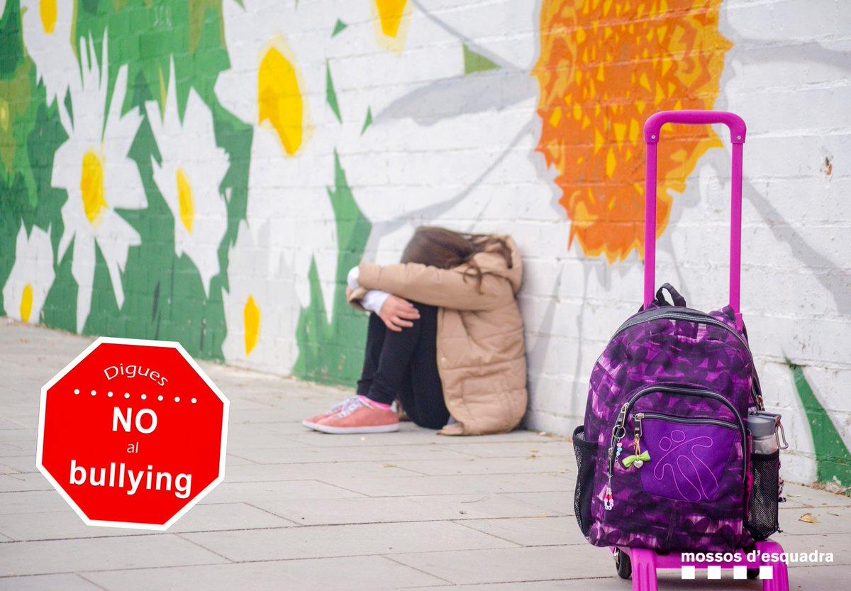 Ni #Bullying ni #Cyberbullying, a l'escola i a les xarxes socials respecta els teus companys de classe #StopBullying https://t.co/lfOKwAVFyz