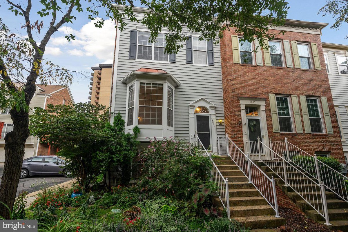 Check out my #listing in #Alexandria #VA  #realestate #realtor https://t.co/afwpVtbS6s  [For sale] https://t.co/NzXdIH5et3