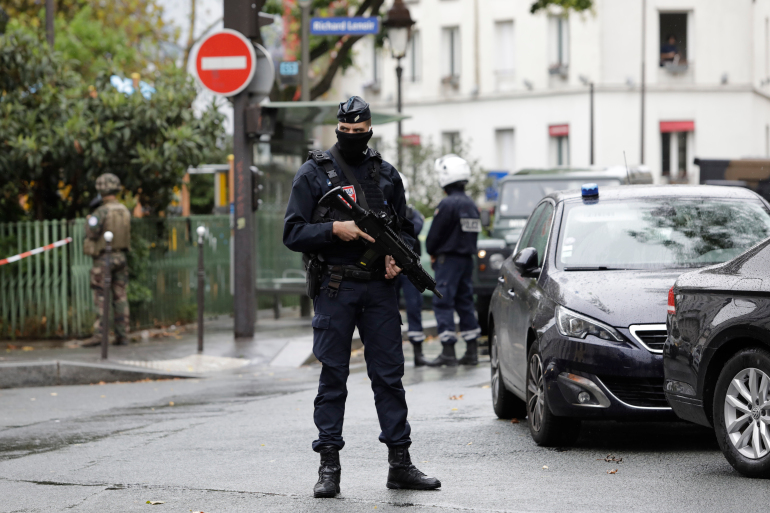 Paris stabbing suspect says he aimed to target Charlie Hebdo https://t.co/Q7cSsuOlQg https://t.co/k32fxDk4hT